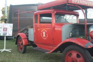Oldtimer Chevrlolet of the Oostvoorne-Tinte fire brigade.